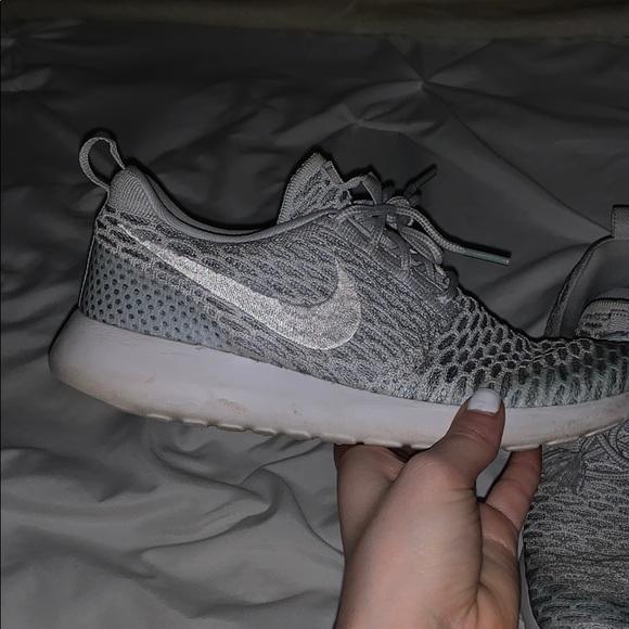 sélection premium 160d0 17d5e Nike Rosh Run Flyknit Shoes